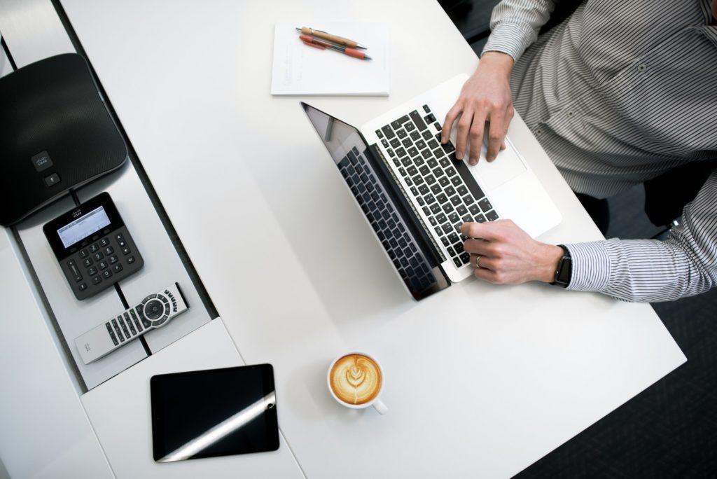 indywidualny kurs językowy online - jak to się odbywa